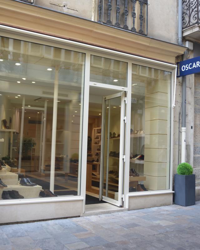Façade extérieur du magasin OSCAR Club